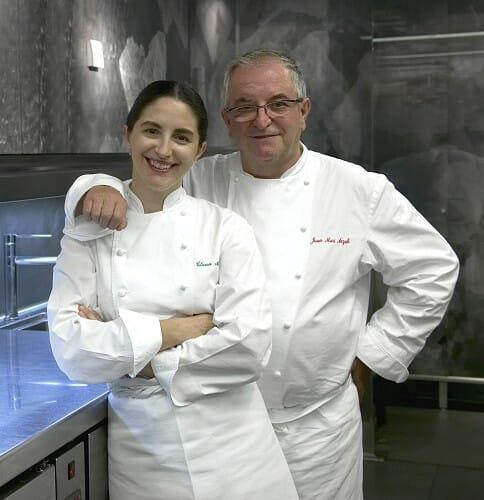 Juan Mari y Elena Arzak, en la cocina de su restaurante