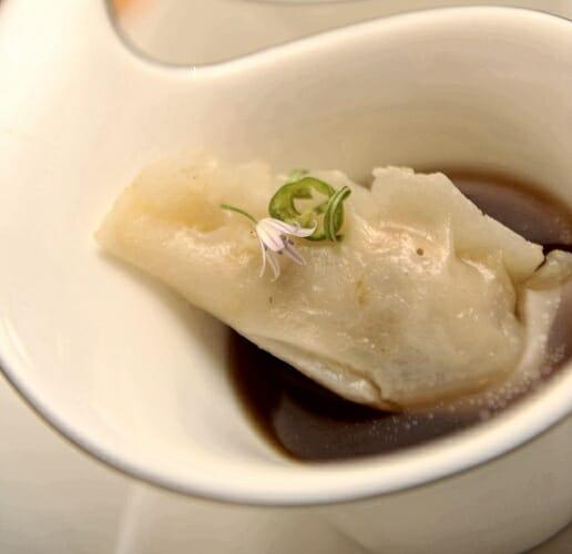 Dumpling de conejo y salmorejo de Armando Saldanha