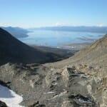 Ushuaia y el canal Beagle desde el glaciar Martial