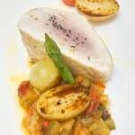 Pixin con tocino ibérico, crema de pan y verduras
