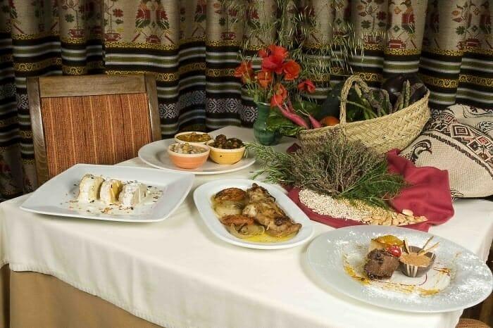 El Restaurante San José ofrece gastronomía mediterránea aderezada con toques vanguardistas y llena de creatividad