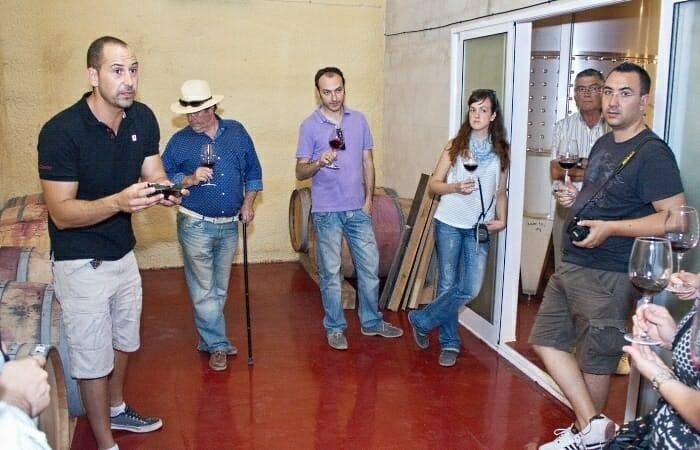 Probando Olivastro en Bodega Carres junto a José Luis Torres Carpio