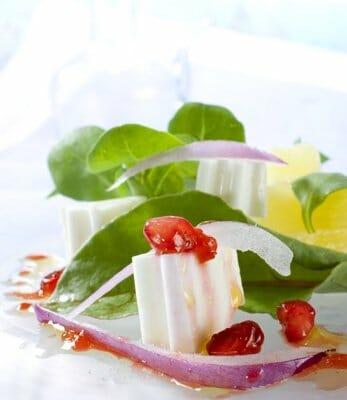 Ensalada de piña y queso fresco