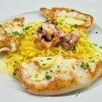 Chipirones con pasta fresca y mouselina de pimiento amarillo