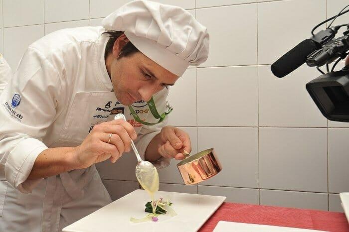 Sergio Bastard, preparando uno de los platos con los que ha ganado esta quinta semifinal