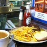 Clásica comida neoyorkina en Tom´s Restaurant