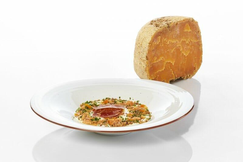 Huevo con puré de patata y Mimolette Poncelet